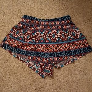 Patterned flowy shorts